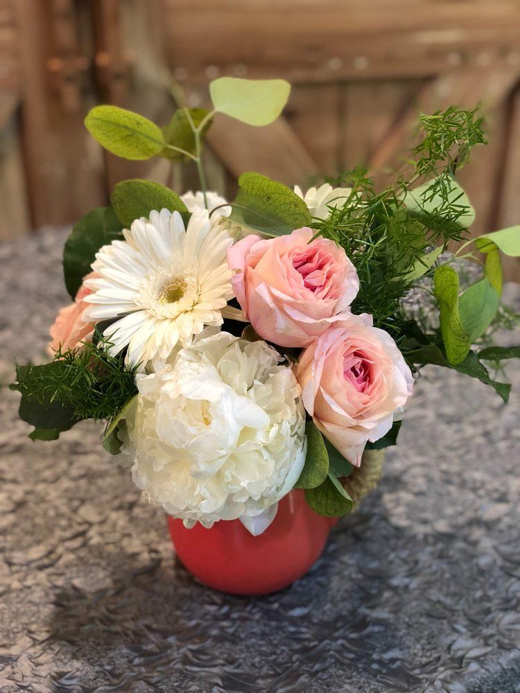 Powell Florist Gifts & Interiors: 7325 Clinton Hwy, Powell, TN