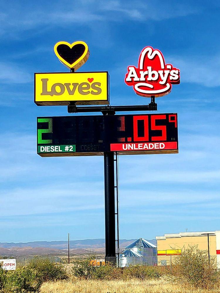 Love's Travel Stop: 14414 S Cross L Rd, Mayer, AZ