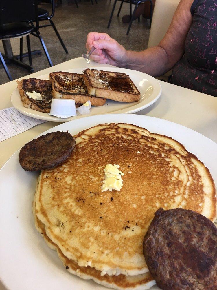 Eagle's Diner: 113 E Elm St, Athens, AL