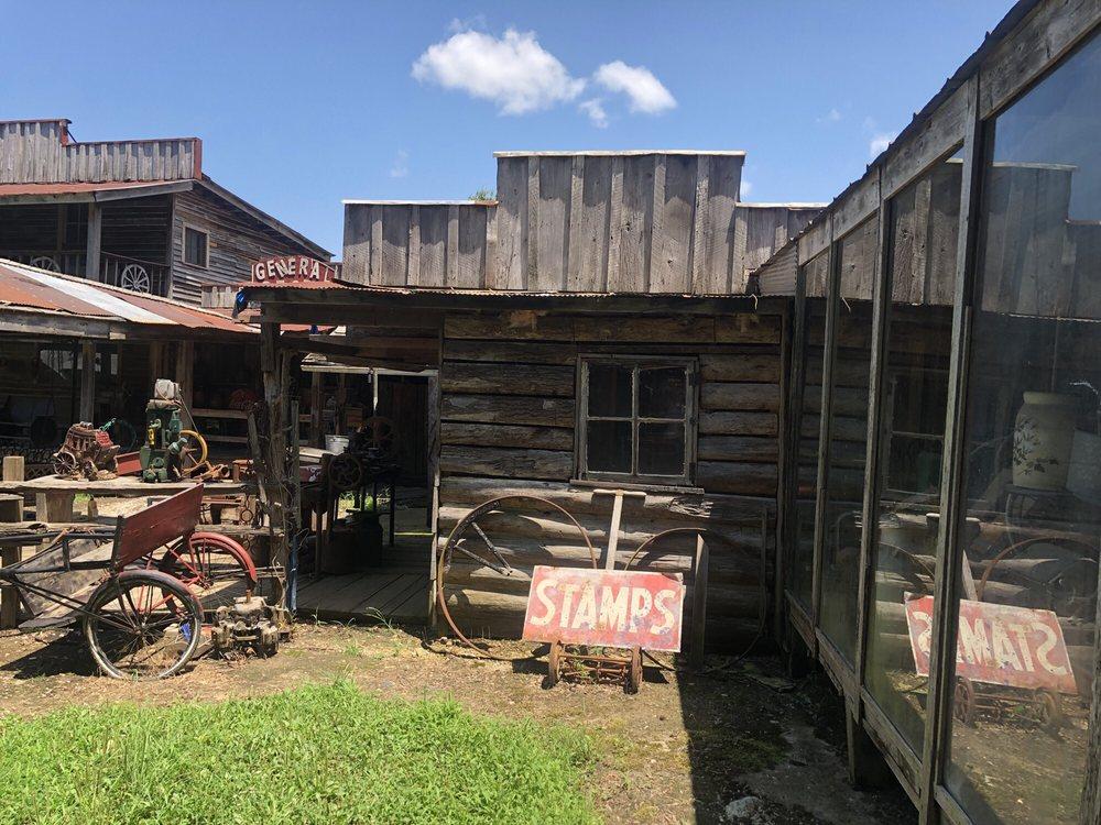 Herbie Town: 778 Humboldt Gibson Wells Rd, Humboldt, TN