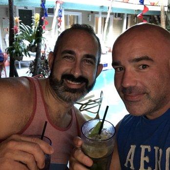 Meet Chubby Bears Men Online In Key West, Florida