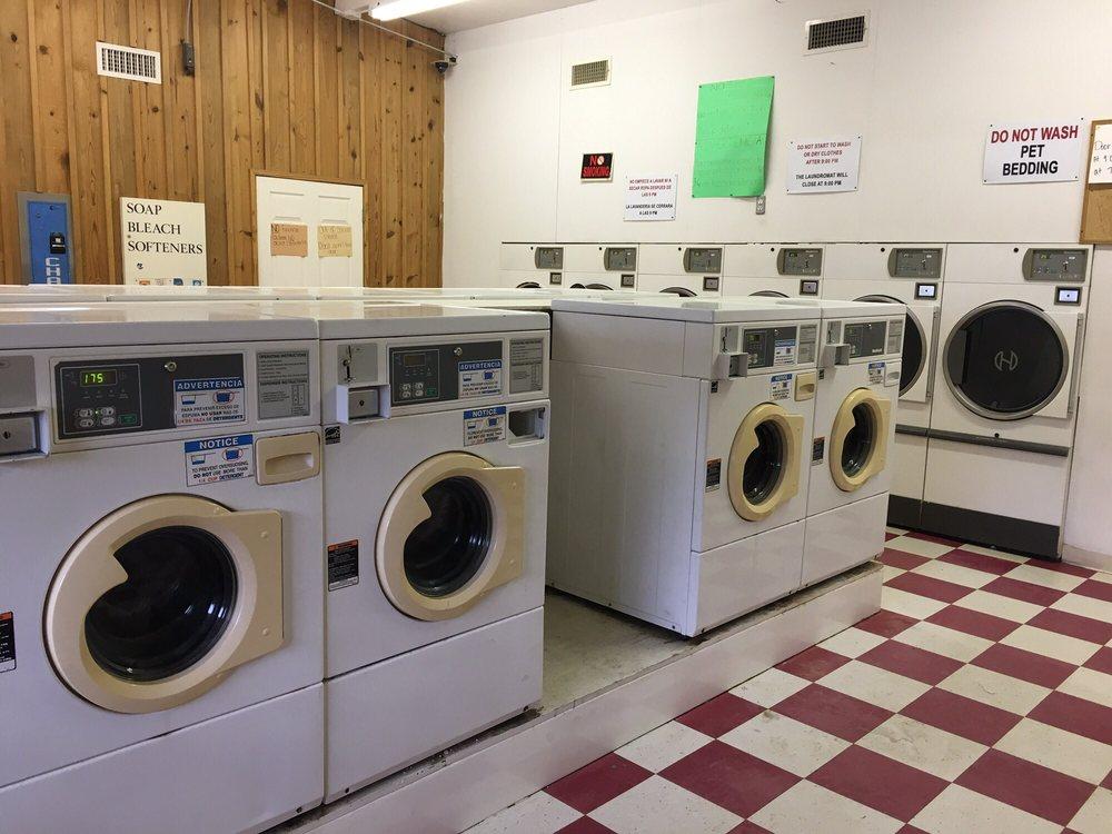 Laundromat: 8605 US-71, Grannis, AR