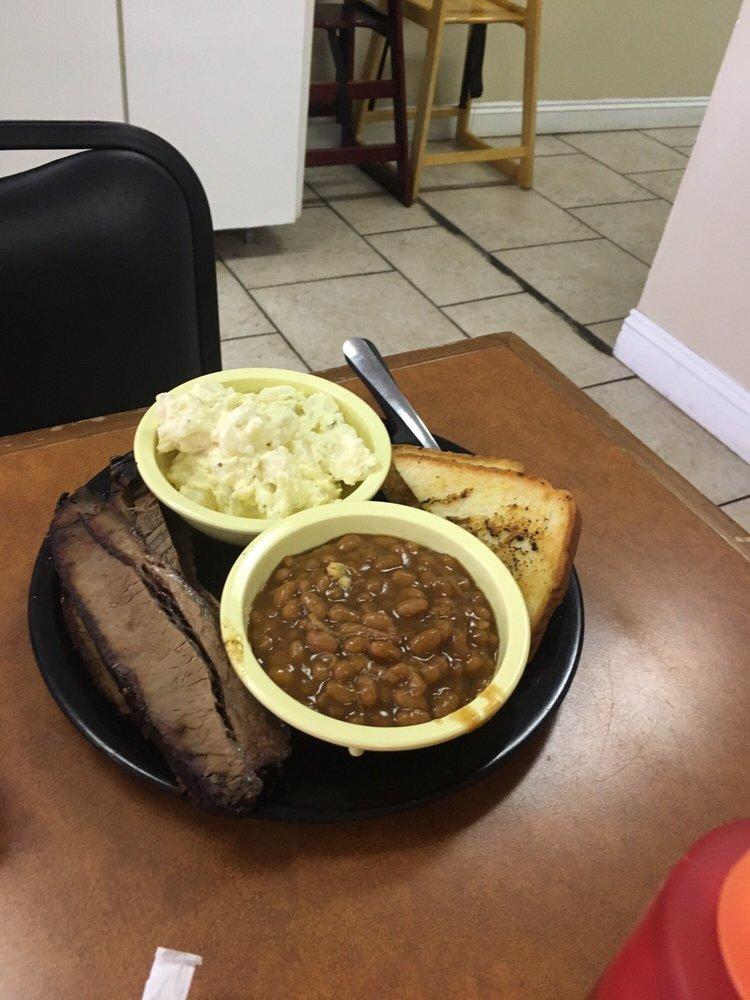 Ranch House Kitchen: 23214 5th Ave, Florala, AL