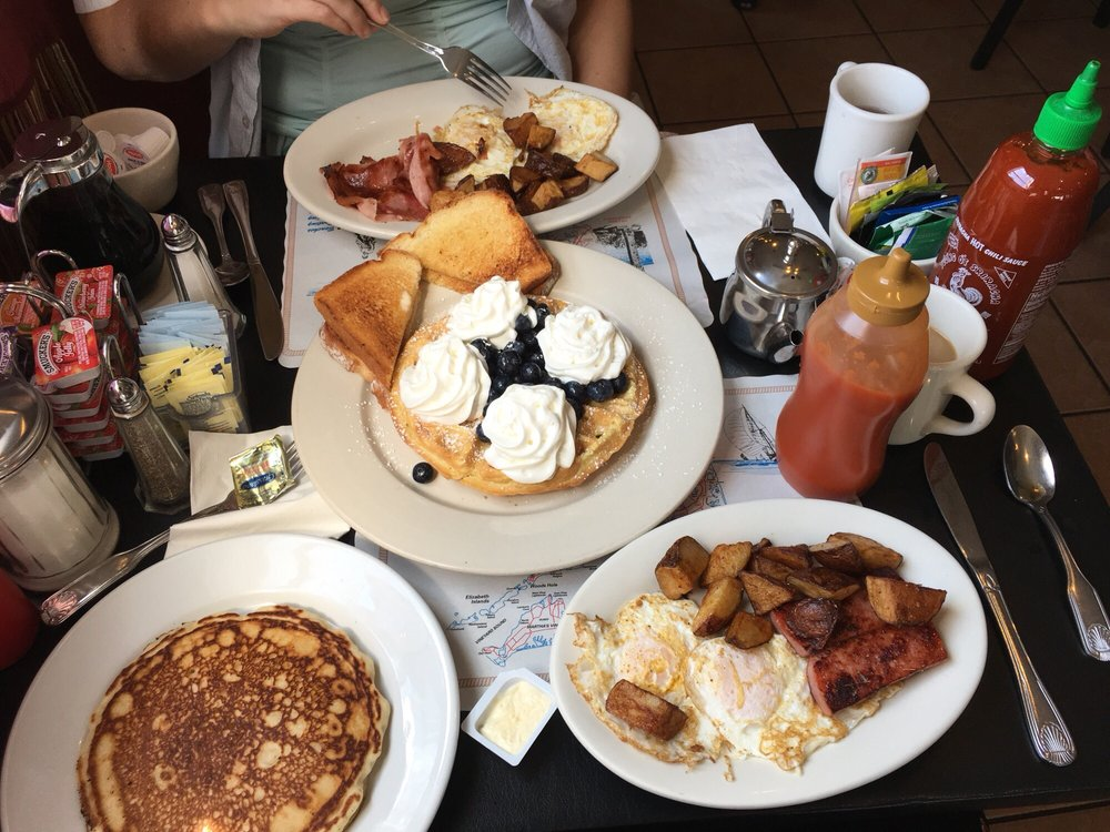 Ruggie's Breakfast and Lunch: 707 Main St, Harwich, MA