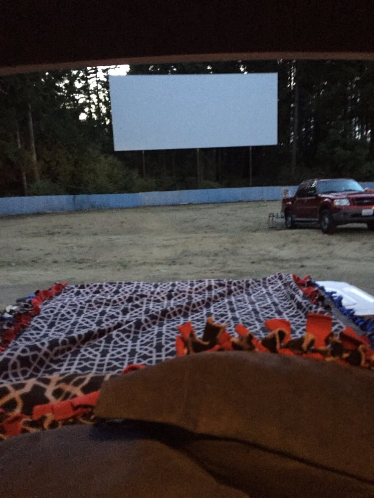 Rodeo Drive In Theatre 17 Photos Amp 53 Reviews Drive In