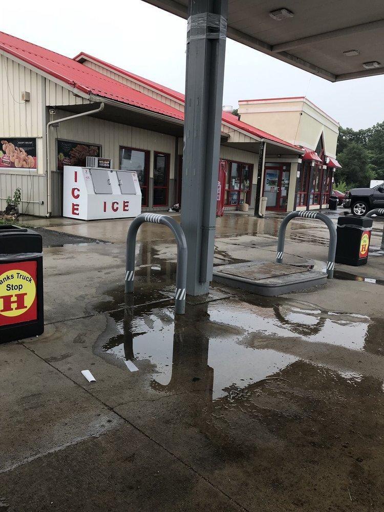 Hank's Truck Stop: 1799 W US Hwy 30, Hanna, IN