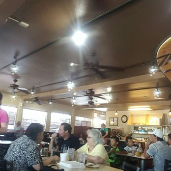 Photo Of Johnny S Restaurant Manteca Ca United States Always A Good Crowd