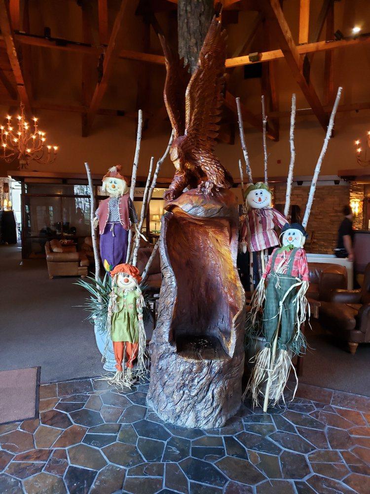 Mt Charleston Lodge Cabins: 5375 Kyle Canyon Rd, Las Vegas, NV