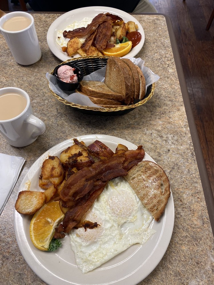 Sunnyside Cafe: 2 W Hereford Ave, Cape May Ct House, NJ