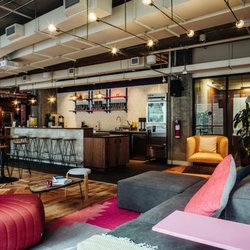 Wework l avenue shared office spaces 1275 avenue des for Shared office space montreal