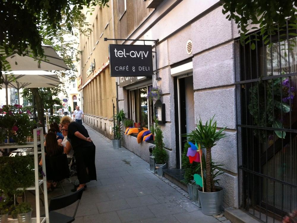 tel aviv restaurant during summer