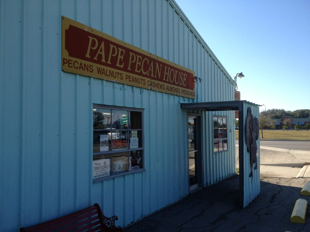 Pape s pecan house specialty food 101 s highway 123 for The pecan house