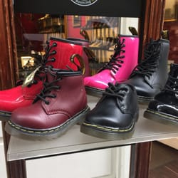 dr martens store 15 fotos schuhe ida ehre platz 9. Black Bedroom Furniture Sets. Home Design Ideas