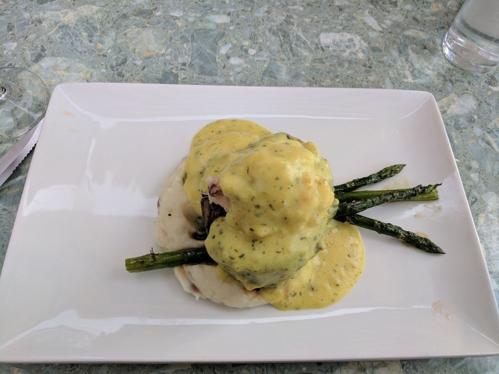 River's Edge Restaurant: 1936 Rogue River Hwy, Grants Pass, OR