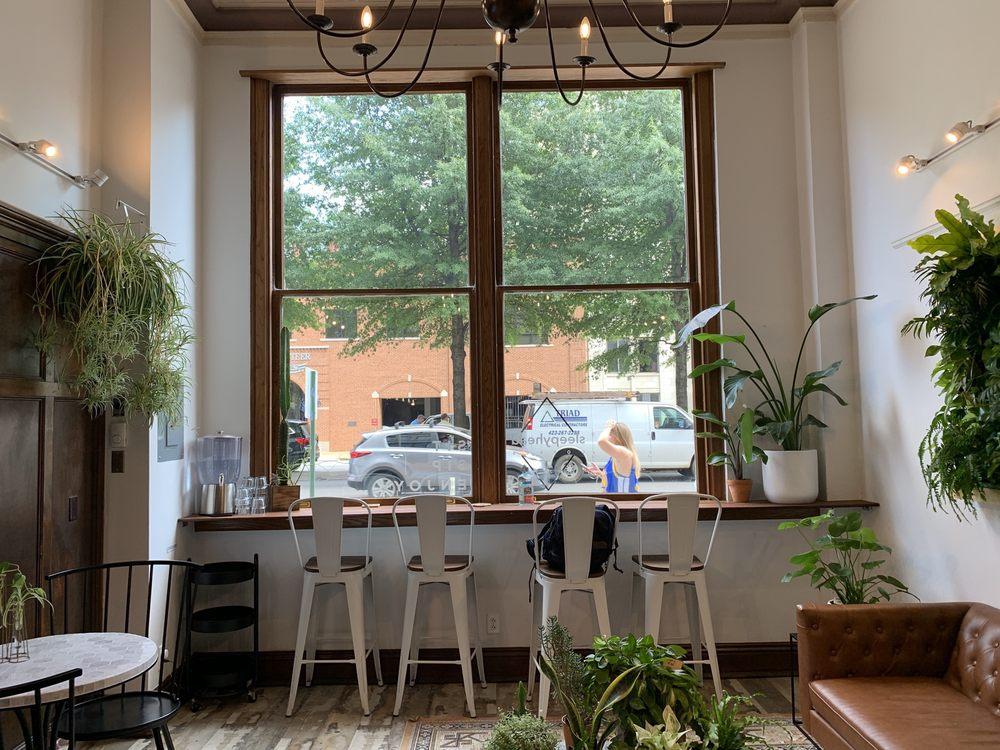 Sleepyhead Coffee: 735 Broad St, Chattanooga, TN