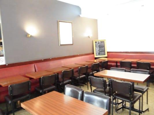 Les pieds sous la table bistros 1 rue roqu pine europe miromesnil paris france - Restaurant les pieds sous la table ...