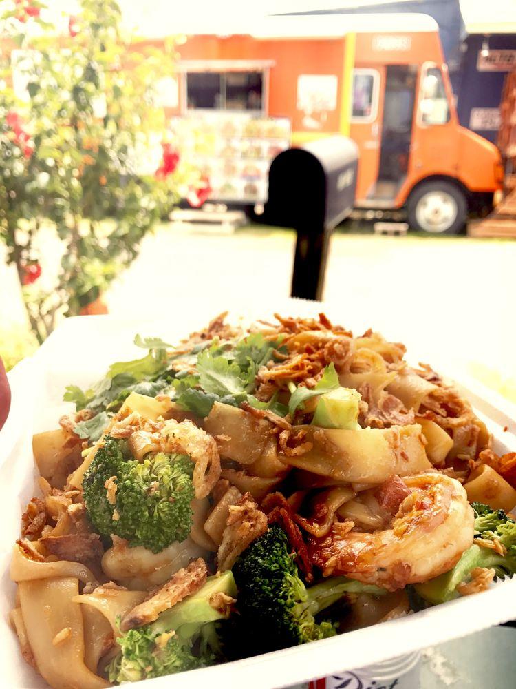 Thai Food Express: 53-534 Kamehameha Hwy, Hauula, HI