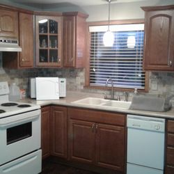 Etonnant Photo Of NDD Refinishing   Pittsburgh, PA, United States. BEFORE Oak  Cabinets
