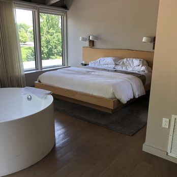 The Roundhouse Hotel - 55 Photos & 58 Reviews - Hotels - 2 E