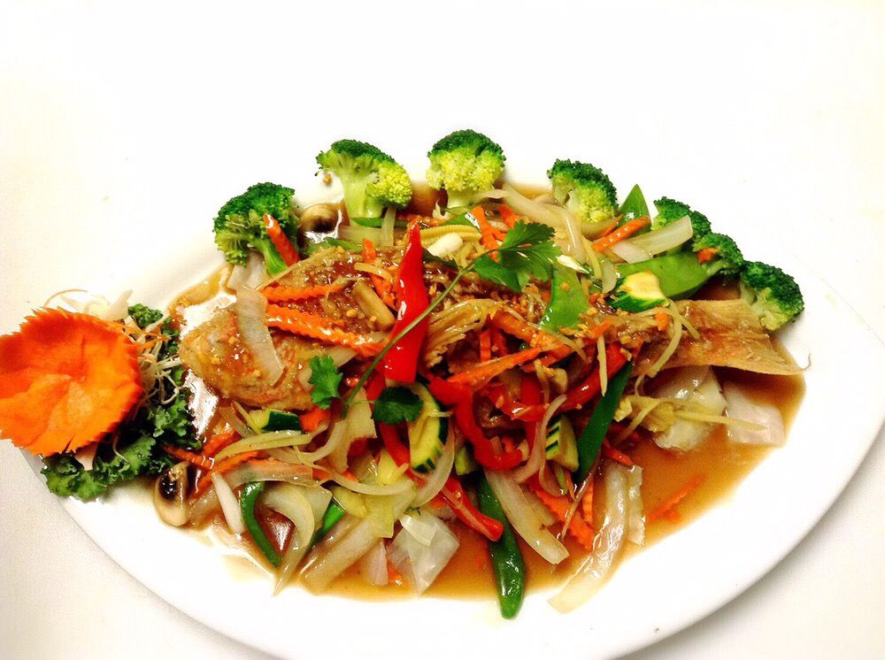 Thai Lanna & Sushi: 10022 Cross Creek Blvd, Tampa, FL