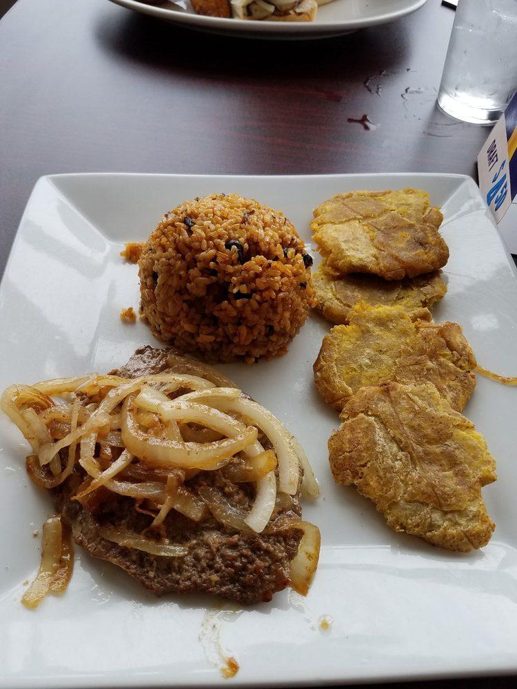 Food from De Rican Chef Restaurant