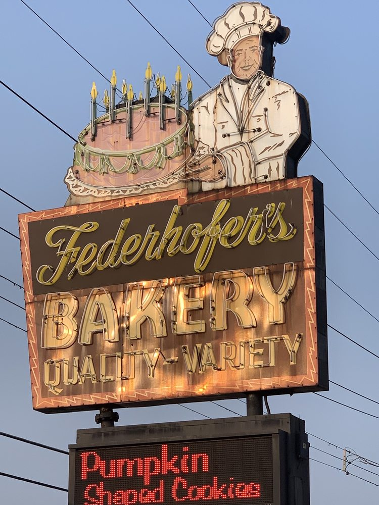 Federhofer's Bakery: 9005 Gravois Rd, Affton, MO