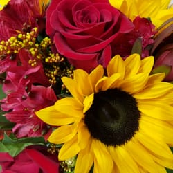 Photo of Garden District Flowers, Inc - Bakersfield, CA, United States. Beautiful