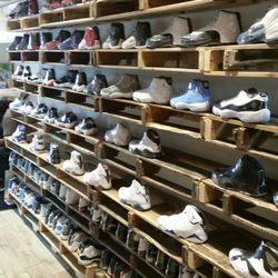 Shoe Shops In Newark