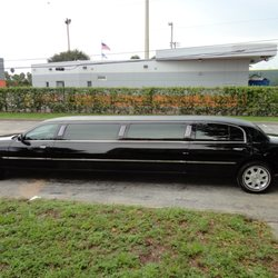 Photo Of Red Carpet Limousine Sterling Il United States
