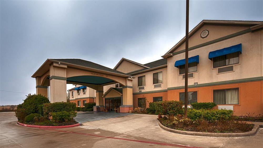 Best Western Executive Inn & Suites: 3307 E Main St, Madisonville, TX