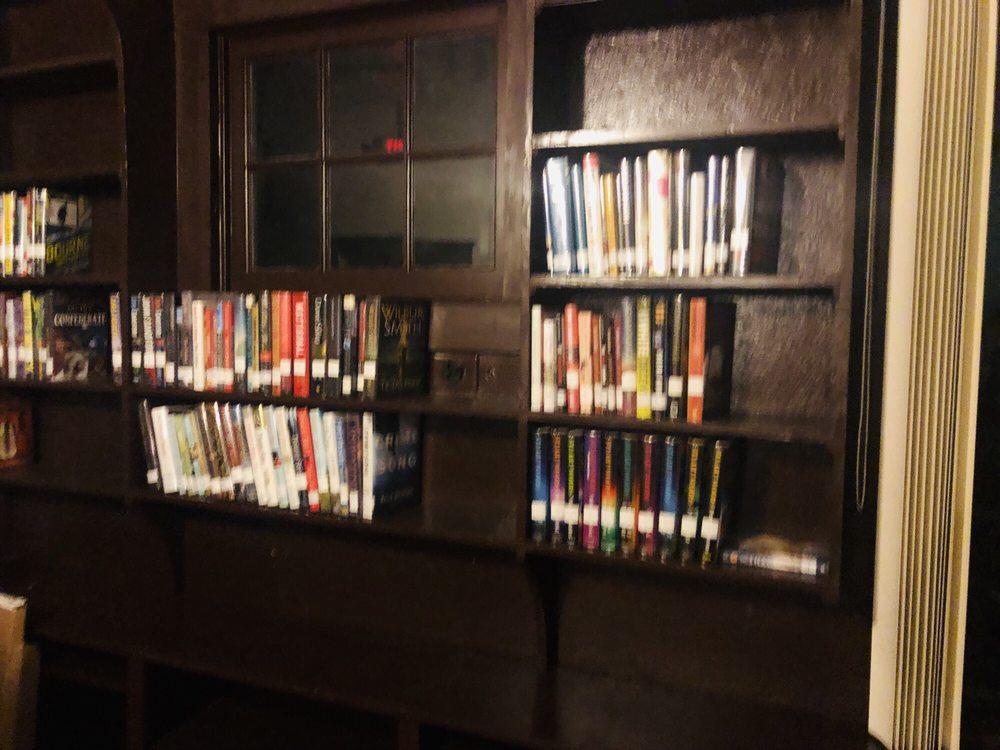 Marian Fell Library: 63 N Cypress St, Fellsmere, FL