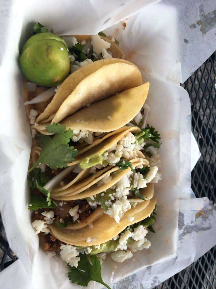 Street Side Tacos: 1362 E Austin St, Giddings, TX