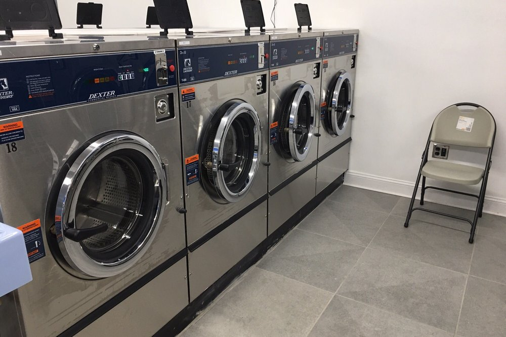 Brooklyn Tub Laundromat: 5101 Ritchie Hwy, Brooklyn Park, MD