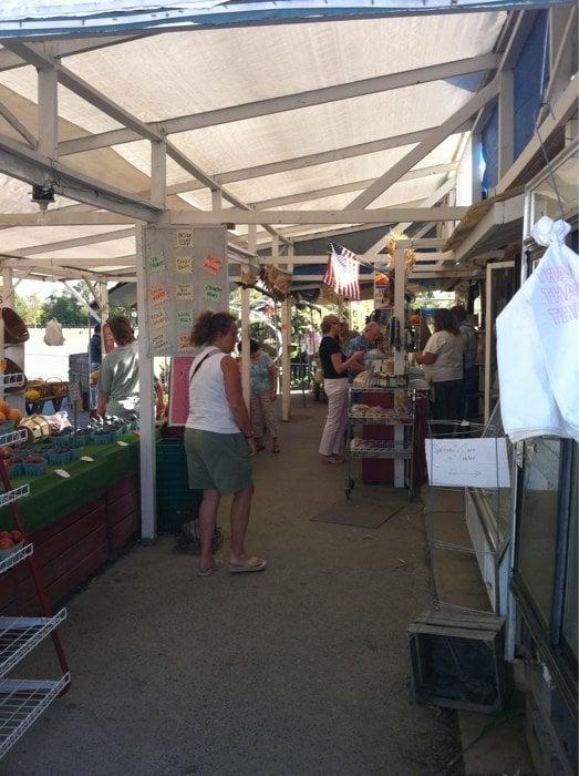 Heider's Country Store & Farm Market: 14917 James Monroe Hwy, Leesburg, VA