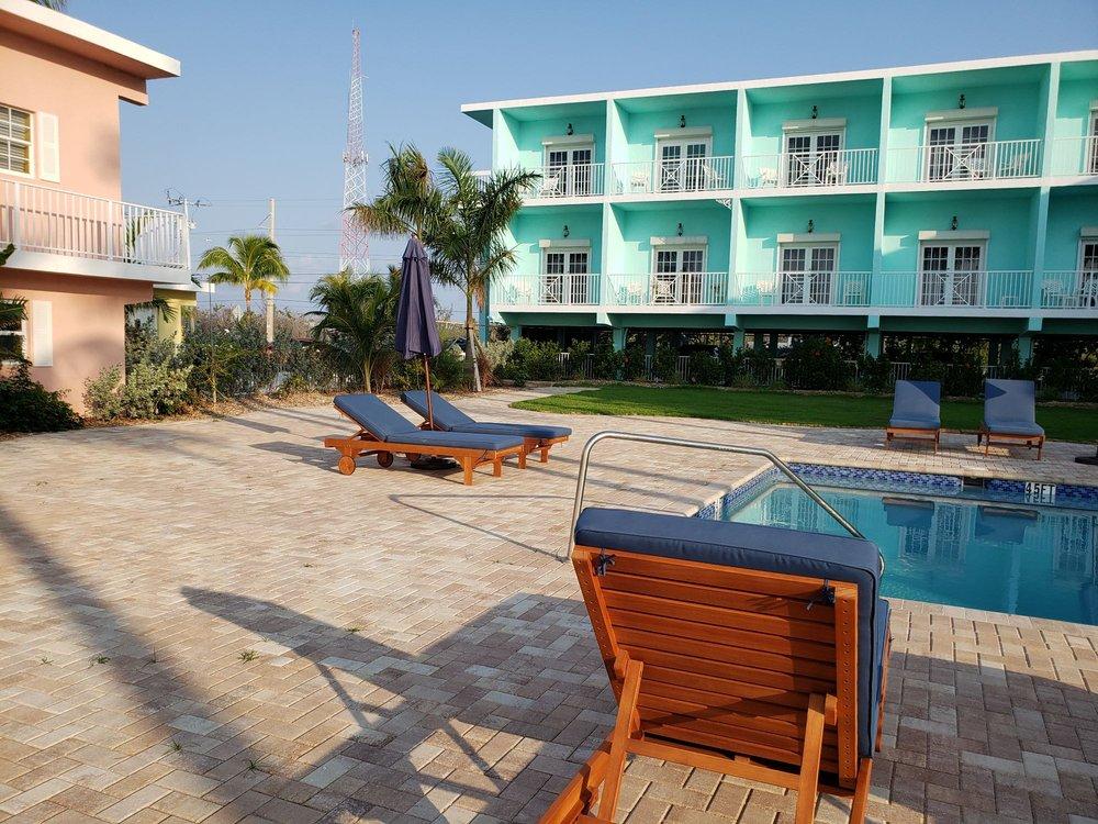 Grassy Flats Resort & Beach Club: 58182 Overseas Hwy, Marathon, FL