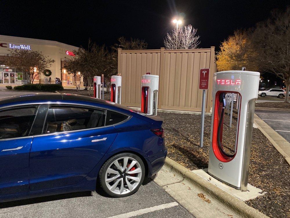 Tesla Suoercharging: 70-1600 Oxford Exchange Blvd, Oxford, AL