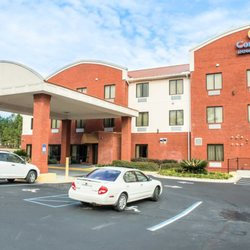 Photo Of Comfort Inn Suites Midway Fl United States