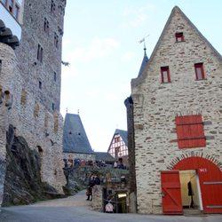 Burg Eltz 159 Fotos & 35 Beiträge Sehenswürdigkeiten