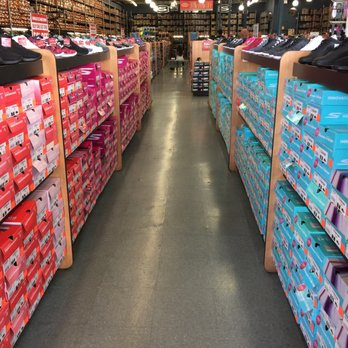 Buy skechers outlet san antonio   OFF48% Discounted 22aea876b