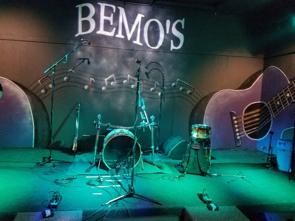 Bemo's: 701 S Madison Ave, Bay City, MI