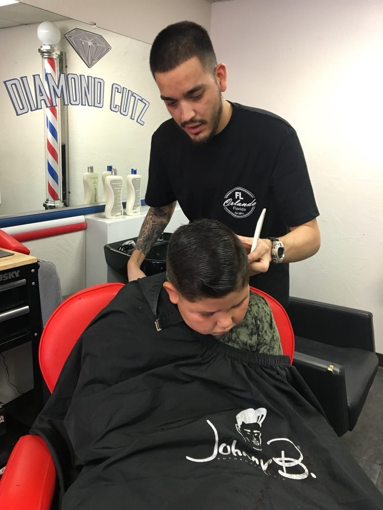 Diamond Cutz Barbershop: 226 S 8th St, El Centro, CA