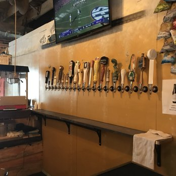 Whats On Tap 17 Reviews Bars 120 Smain St Simpsonville Sc