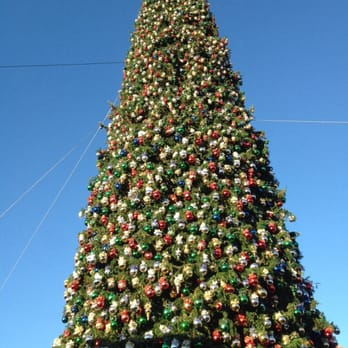 Photo of Outlets at Anthem - Pheonix AZ United States. Massive xmas tree  sc 1 st  Yelp & Outlets at Anthem - 74 Photos u0026 97 Reviews - Outlet Stores - 4250 ... azcodes.com
