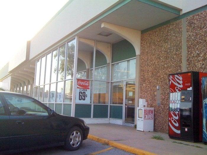 Alva's Market: 706 Flynn St, Alva, OK