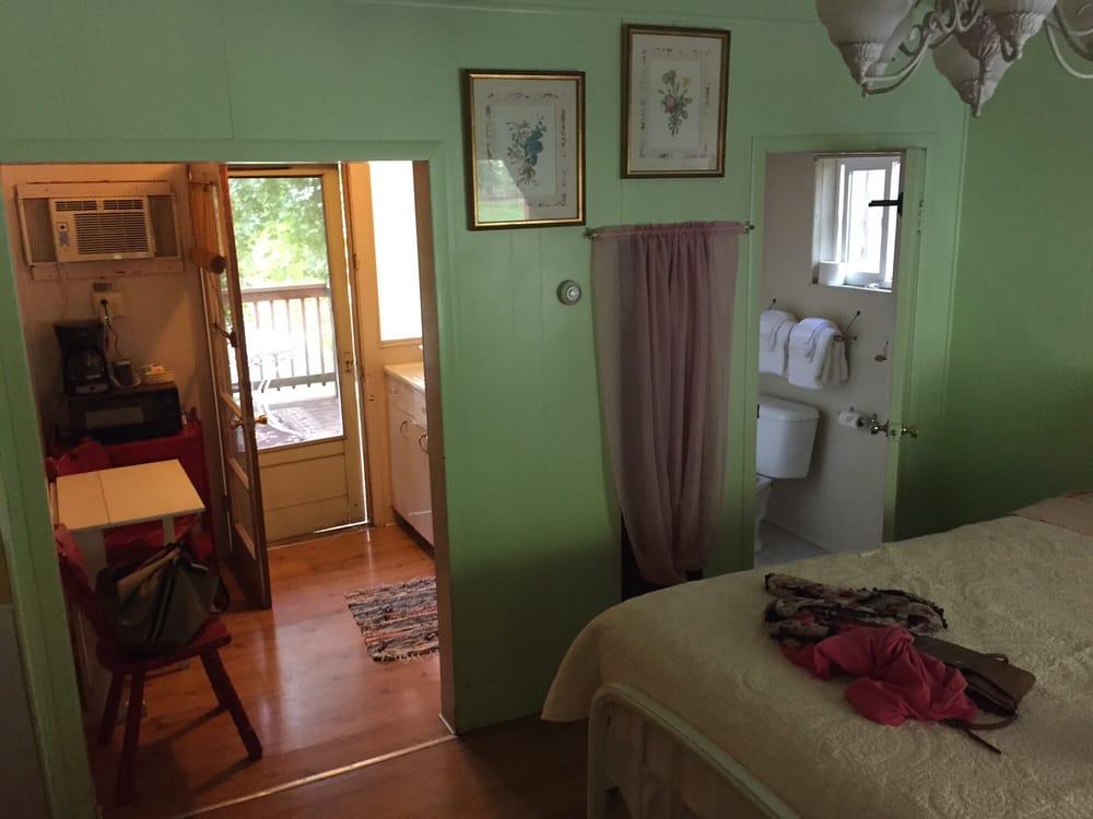 Motel Del Rogue: 2600 Rogue River Hwy, Grants Pass, OR