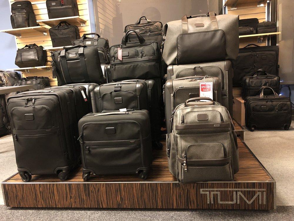 Bag'n Baggage: 1006 Wilshire Blvd, Santa Monica, CA