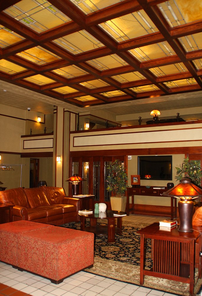 The Historic Park Inn: 15 W State St, Mason City, IA