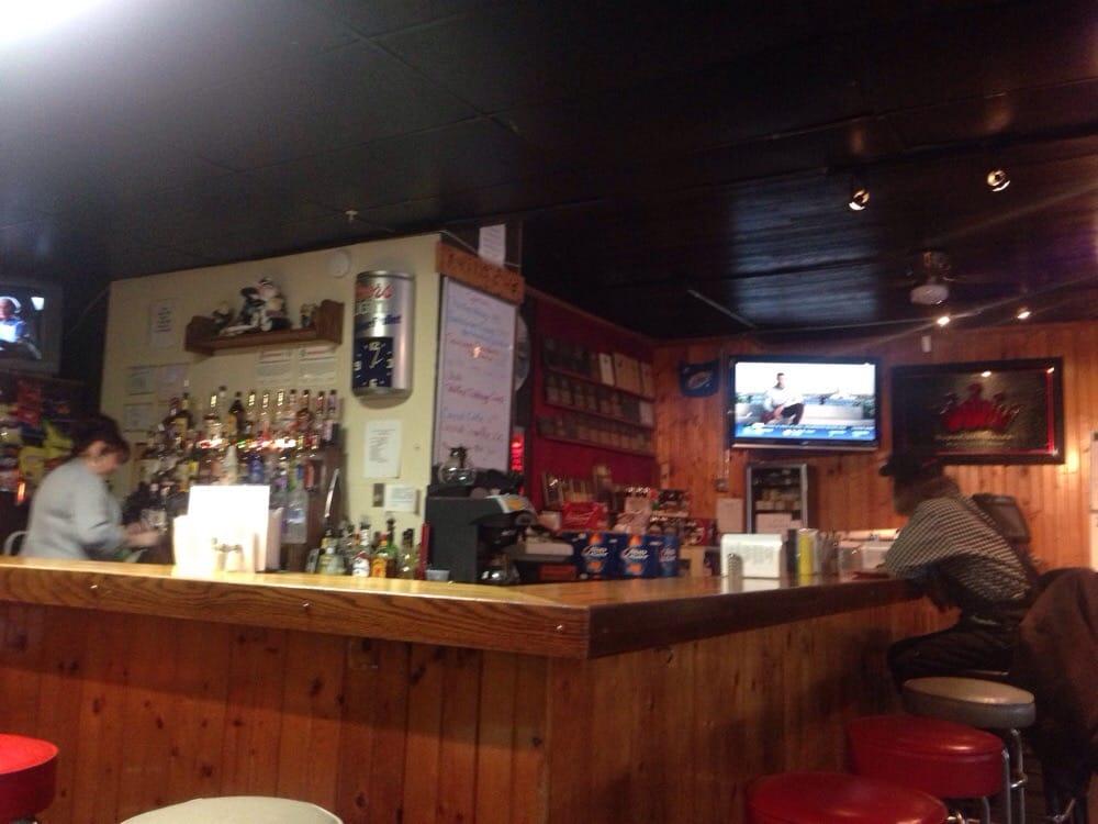 J-Ville Pub & Grill: 8 W Main St, Jeromesville, OH
