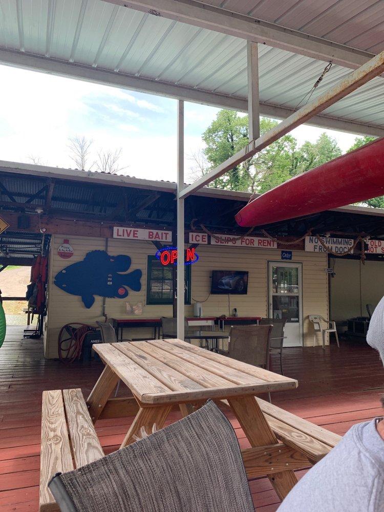 Royalty's Fishing Camp: 940 Normans Camp Rd, Harrodsburg, KY