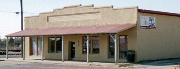 Bowie Pet Clinic: 100 N Smythe St, Bowie, TX